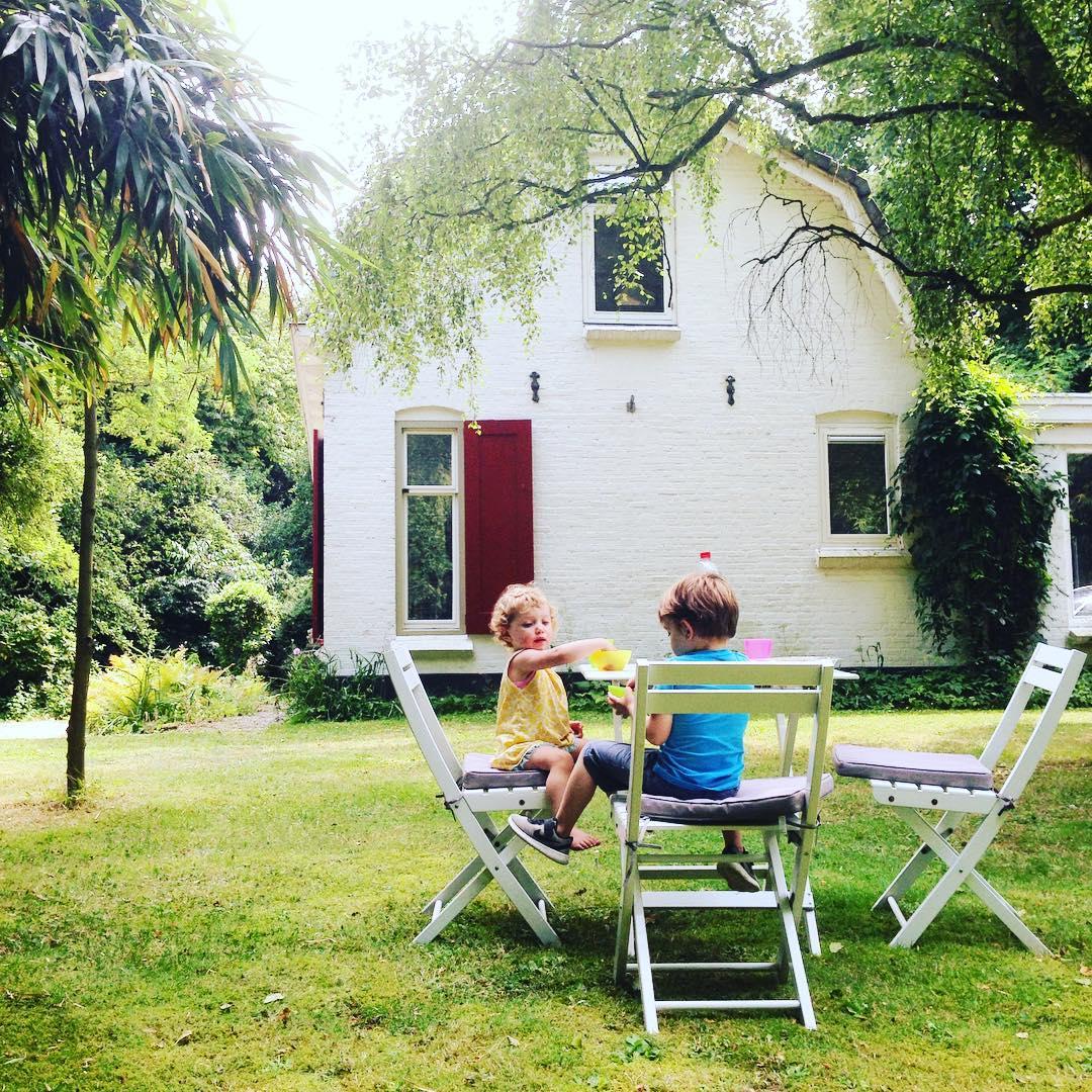 Airbnb Mary J - rockanje tuin