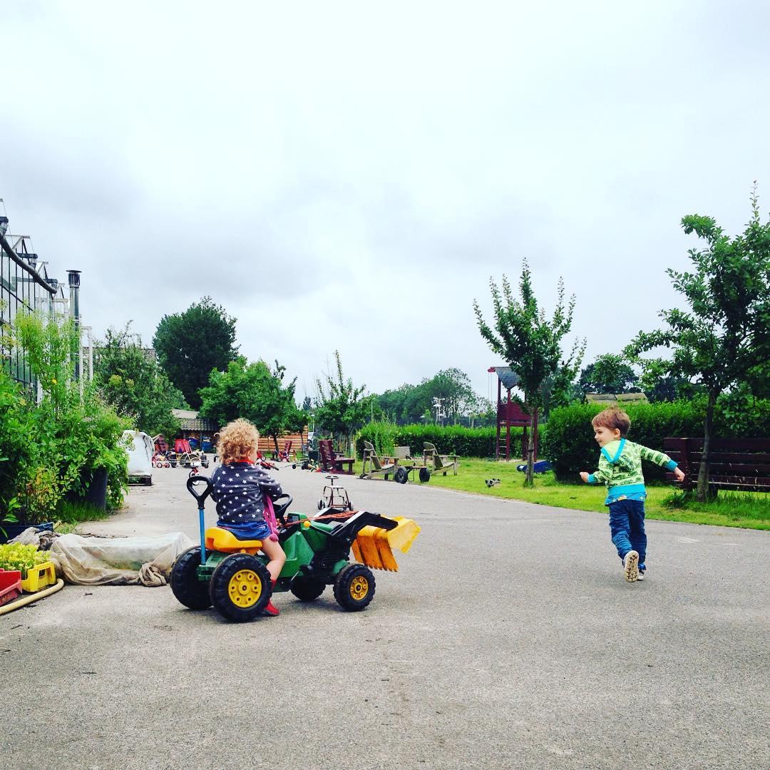 Kinderfotografie, buitenspelen